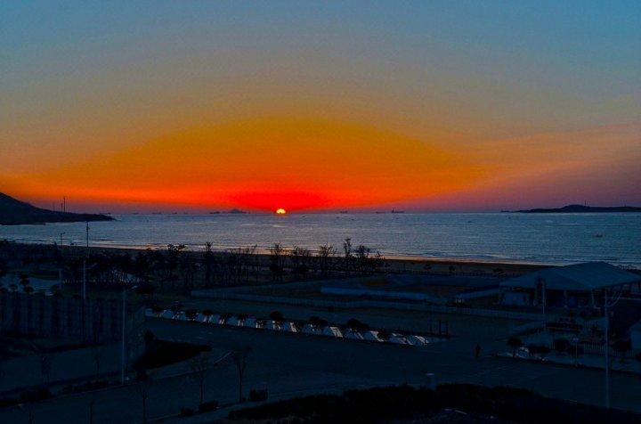 青岛金沙滩1分钟海景公寓