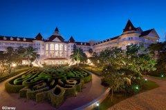 香港迪士尼乐园酒店(Disneyland Hotel)