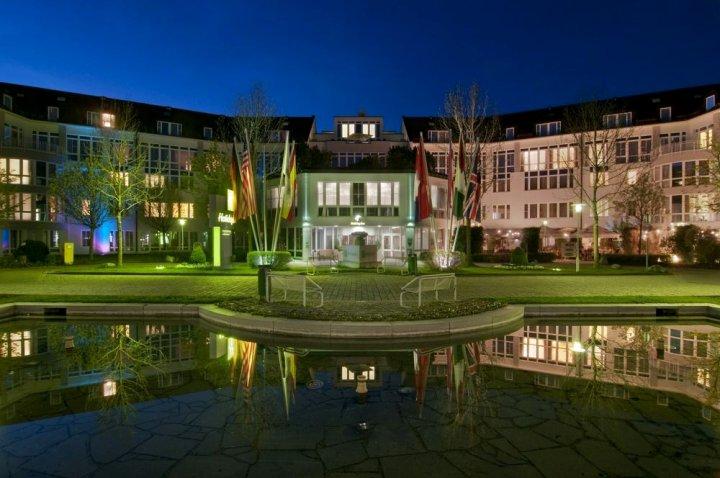 慕尼黑翁特哈井假日酒店(Holiday Inn Munich Unterhaching)