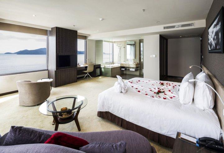 阿拉纳芽庄海滩酒店(Alana Nha Trang Beach Hotel)