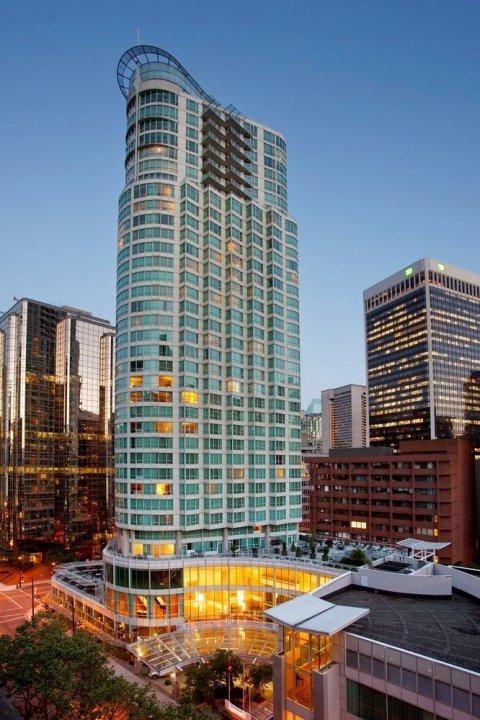 温哥华皮那考市中心万豪酒店(Vancouver Marriott Pinnacle Downtown Hotel)