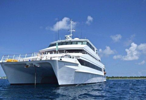 马尔代夫四季探索号游艇(Maldive Four Seasons Explorer)