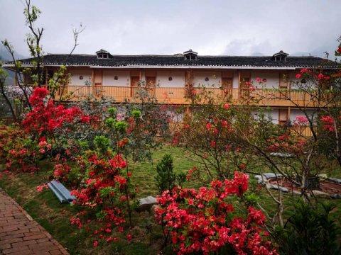从江加榜云上梯田景观酒店