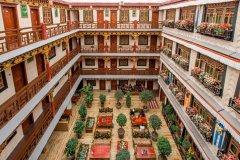 拉萨扎西曲塔风情酒店