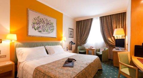 ADI波利奇亚诺菲尔亚酒店(Adi Hotel Poliziano Fiera)