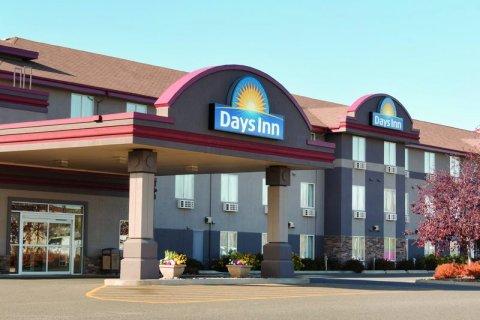 桑德贝戴斯套房酒店(Days Inn & Suites by Wyndham Thunder Bay)