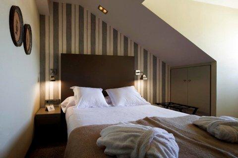 伊萨贝尔法内西欧水疗酒店(Hotel Spa Isabel De Farnesio)