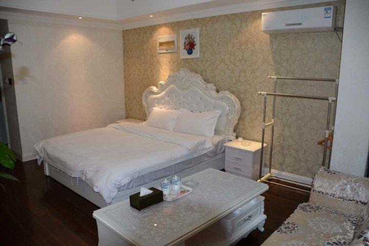 湘西凤凰古城公寓房