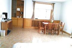青岛宜居名品五四广场度假公寓
