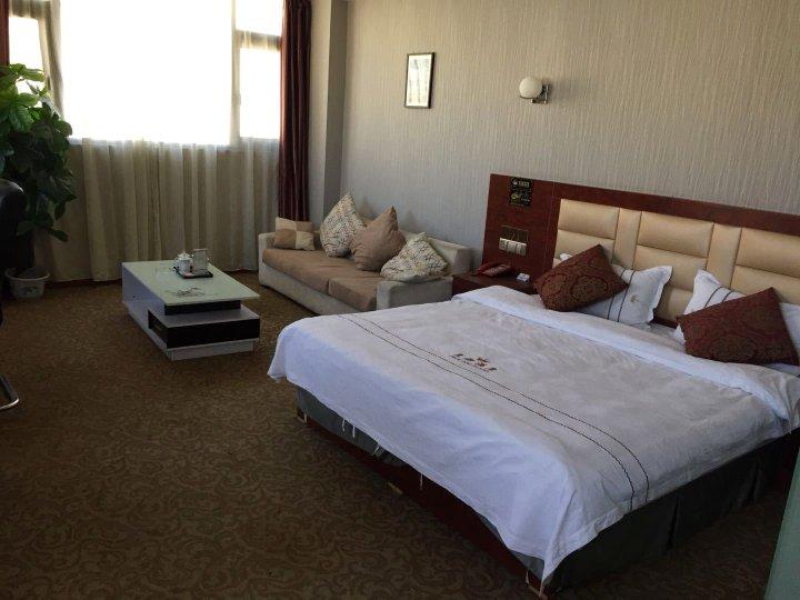 拉萨皇都酒店