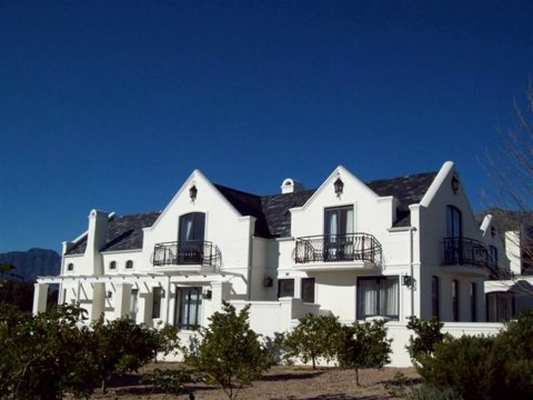 维亚高尔夫庄园别墅酒店(Villa Via Manor de Zalze Golf Estate)