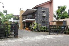 近格兰德民宿瑞德多兹酒店(RedDoorz Near Casa Grande)