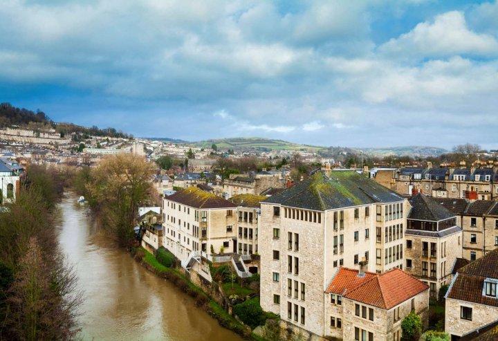 希尔顿巴斯城市酒店(Hilton Bath City)