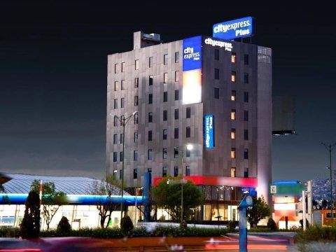 普乐斯卫星城市快捷酒店(City Express Plus Satelite)