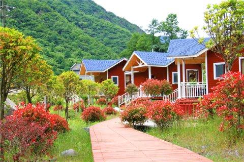Q加·汶川巴郎山假日酒店