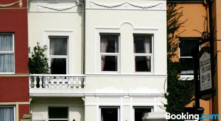 奥德利住宿加早餐酒店(Audley House B&B)