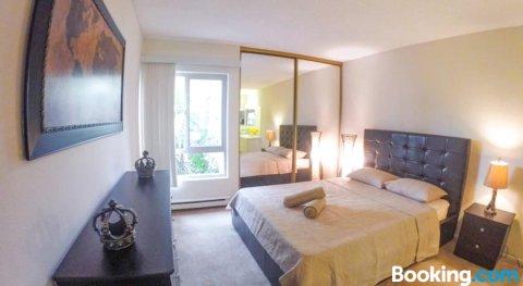 威尼斯海滩艺术之家公寓 - 一卧室绿洲(Artist Home at Venice Beach - One Bedroom Oasis)