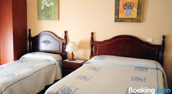胡安布拉沃旅馆(Hostal Juan Bravo)