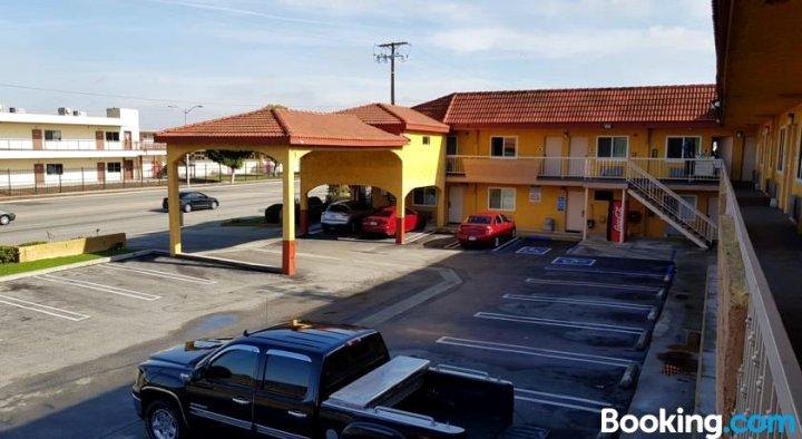 塞贡多旅馆(El Segundo Inn)