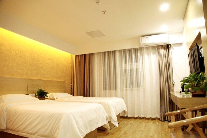 丝雲酒店(北京平谷世纪广场店)