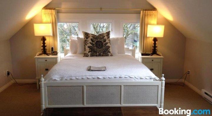 巴克利住宿加早餐酒店(Barclay House Bed and Breakfast)