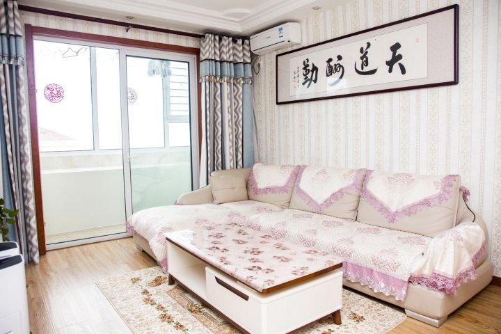 青岛金沙滩海岸一线海景公寓