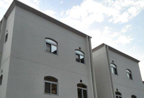 上坡公寓(Uphill Residence)