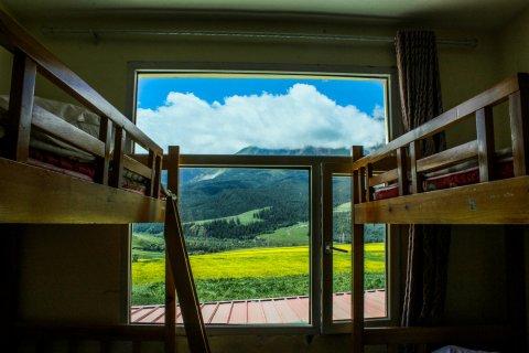 祁连卓尔山国际青年旅舍