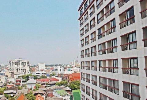清迈阿莫拉塔佩酒店(Amora Thapae Hotel Chiang Mai)