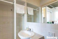 露辛达超值客房公寓(Lucinda - Beyond a Room Private Apartments)