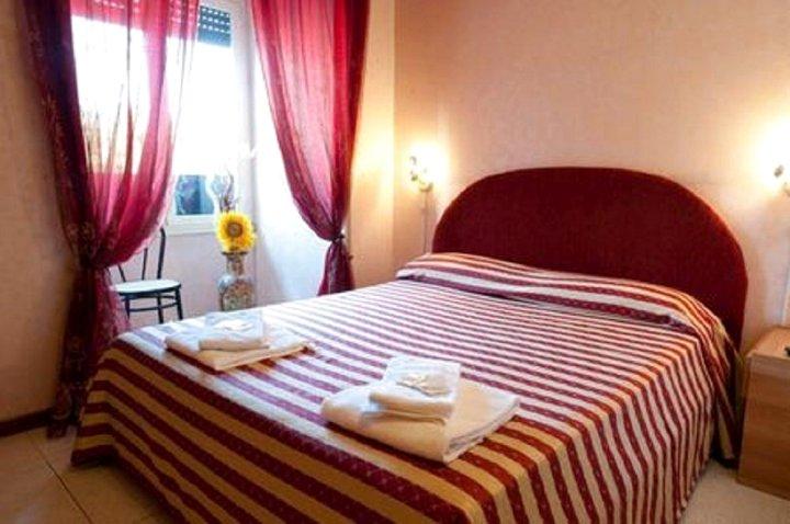 玫瑰酒店(Le Rose)