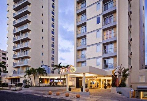 贝斯特韦斯特优质康达多帕姆客栈及套房(Best Western Plus Condado Palm Inn & Suites)