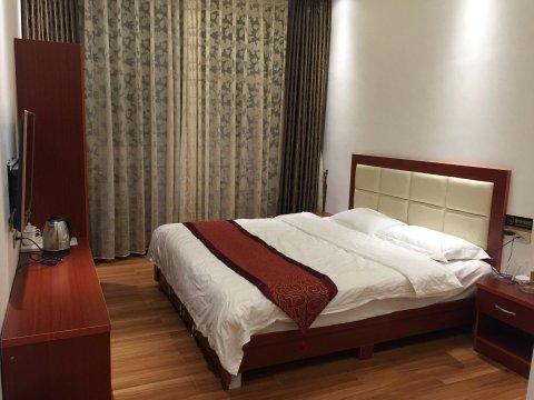赫章屋脊酒店