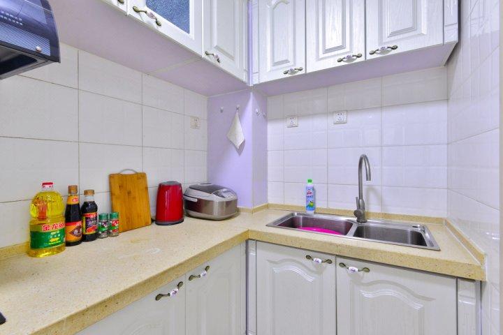天津Locals路客·和平A16舍公寓探奇乐园分店