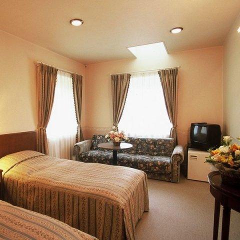 伊豆高原温泉 柠檬树小酒店(Izukogen Onsen Chiisana Hotel Lemonju)