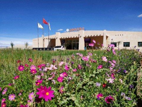 札达土林城堡酒店