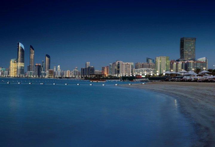 阿布扎比丽笙酒店(Radisson Blu Hotel & Resort, Abu Dhabi Corniche)