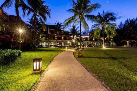 考拉华美达度假酒店(Ramada Resort by Wyndham Khao Lak)