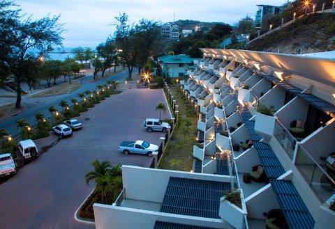 埃拉海滩酒店(Ela Beach Hotel)