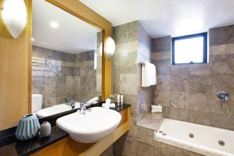 悉尼库吉湾大酒店(Coogee Bay Hotel Sydney)