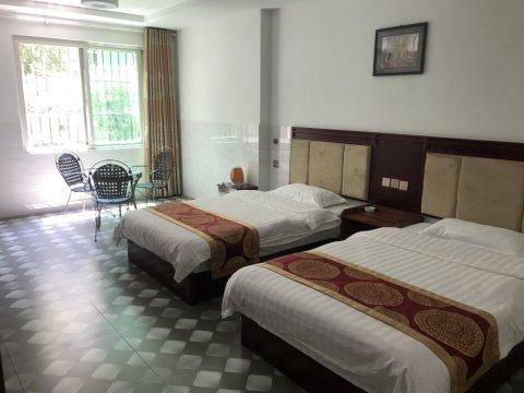 米易十六圆宾馆