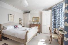 克莱普汉姆迷人共同之家附花园 2 室 2 卫全公寓酒店超级杯出租酒店(Enchanting Clapham Common Home with Garden)