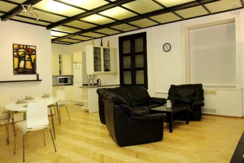 Apartment on Nevsky 109