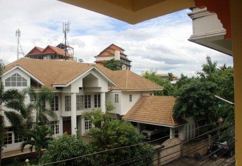 登巴客栈清迈店(Deng Ba Hostel Chiangmai)