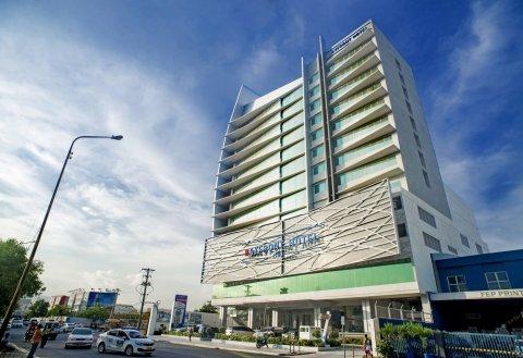 宿务滨海前线酒店(Bayfront Hotel Cebu)