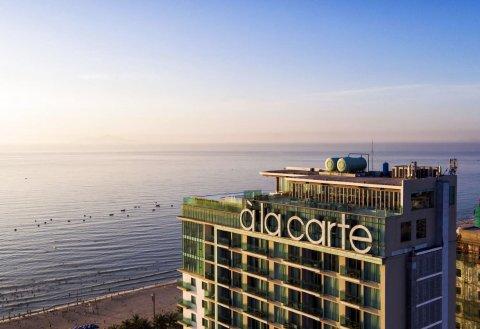乐卡尔特岘港海滩酒店(A La Carte Da Nang Beach)