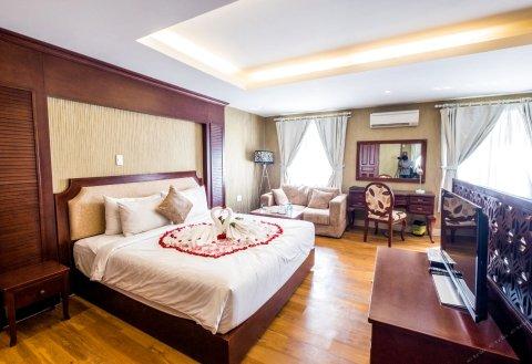 皇冠钻石酒店 - 富美兴区7号(Crown Diamond Hotel - Phu My Hung District 7)