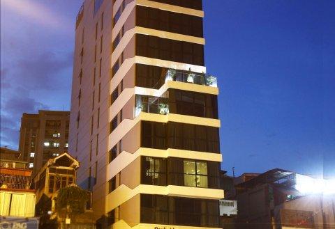 园畔森莱酒店(Parkside Sunline Hotel)