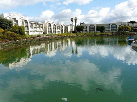 伯克利马里纳希尔顿逸林酒店(DoubleTree by Hilton Hotel Berkeley Marina)