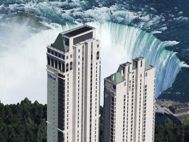 希尔顿尼亚加拉瀑布/瀑布景观套房酒店(Hilton Niagara Falls/ Fallsview Hotel and Suites)